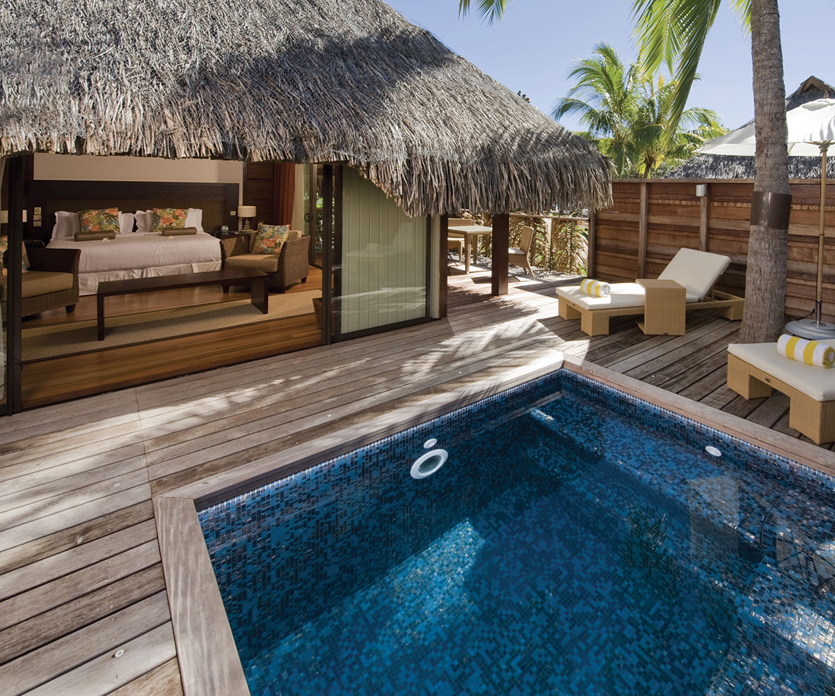 Hilton moorea lagoon resort spa travel with e tahiti for Garden pool bungalow intercontinental moorea