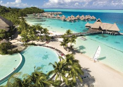 sejour-grand-luxe-re-ouverture-conrad-bora-bora-nui-piscine-e-tahiti-travel