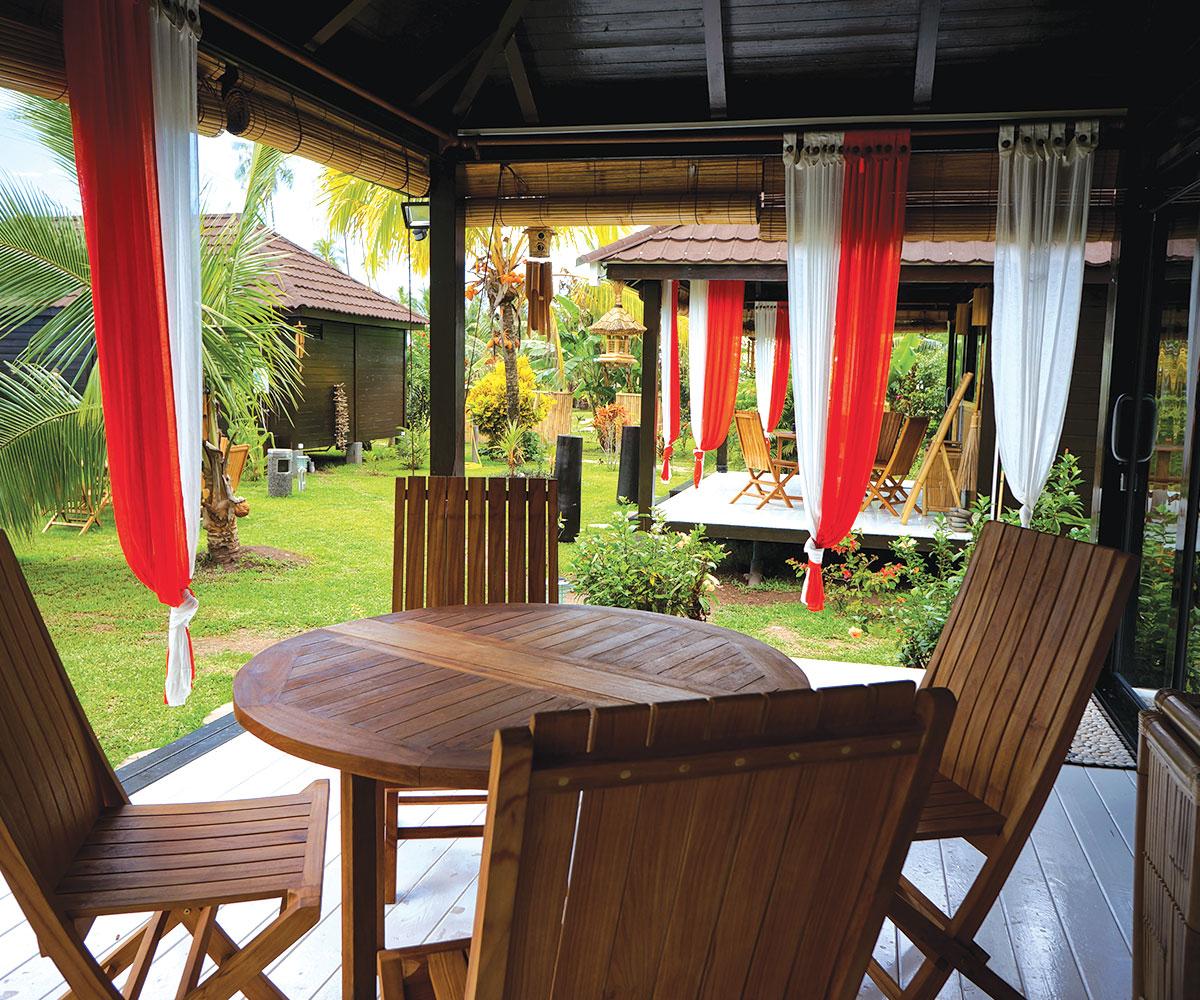 discover tahaa the fragrant vanilla island e tahiti travel package. Black Bedroom Furniture Sets. Home Design Ideas