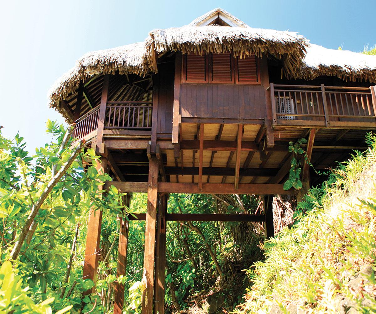 Tahiti Accommodation Over Water Bungalows: Hôtel Sofitel Bora Bora Private Island