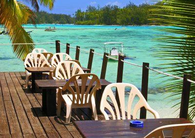 hotel-les-tipaniers-moorea-motu-e-tahiti-travel-bungalow