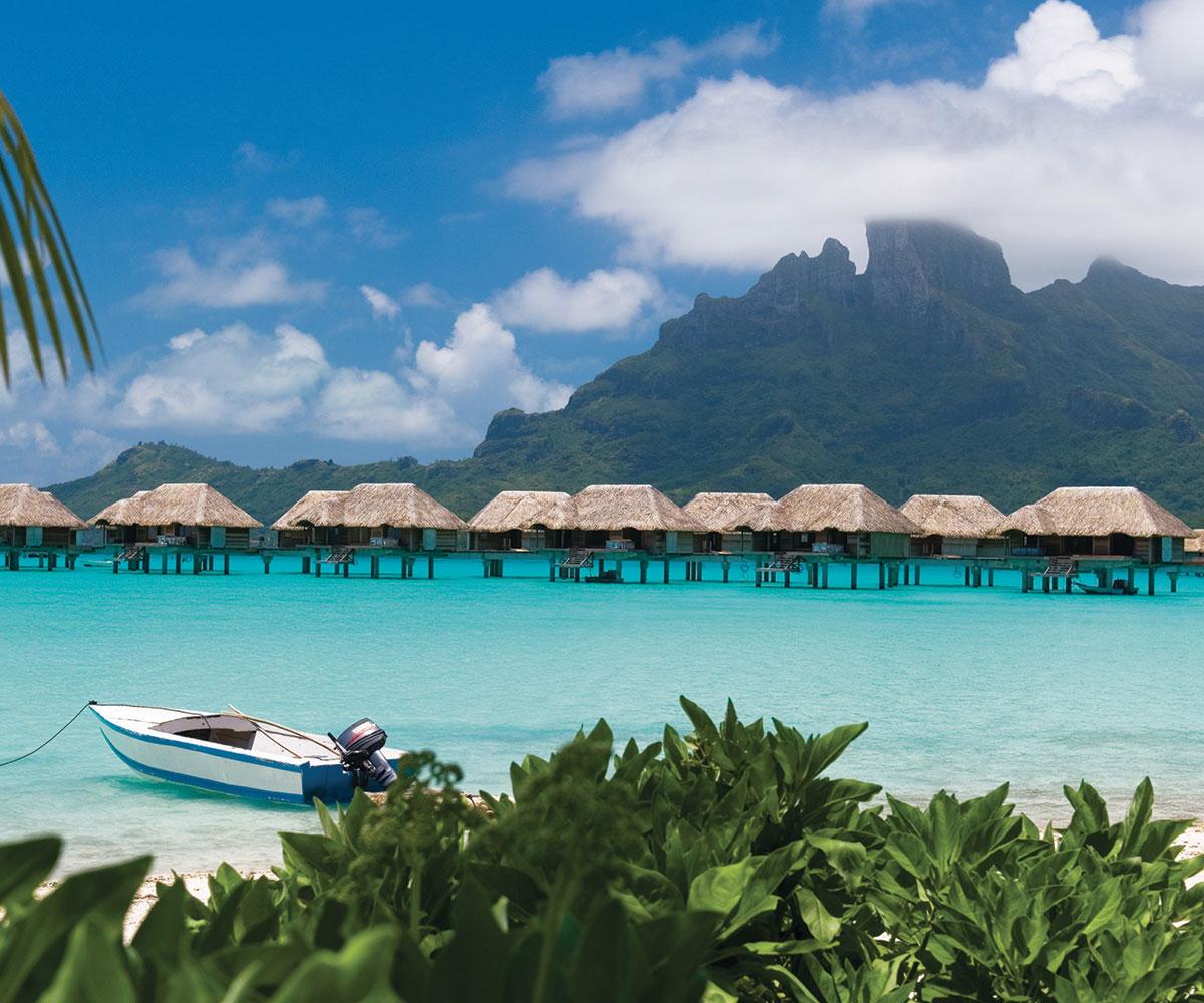 Tahiti Accommodation Over Water Bungalows: Bora Bora Four Seasons Resort