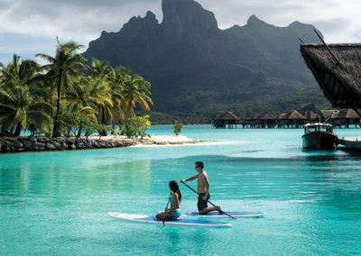 Paddle en amoureux à Bora Bora © Hôtel Four Seasons Resort Bora Bora
