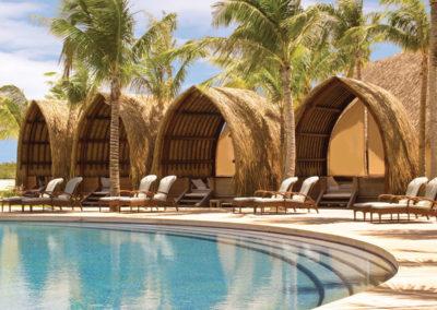 Détente au © Four Season Bora Bora © Hôtel Four Seasons Resort Bora Bora