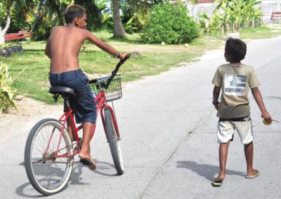 Enfants Polynésiens ©Zoltan Lengyel