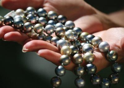 Collier de perles - Mangareva © Tahiti Tourisme