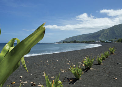 sejours-sports-evenement-ronde-tahitienne-plage-sable-noire-e-tahiti-travel