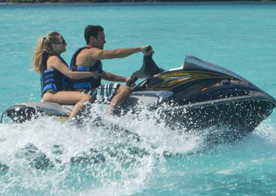 Jet Ski Lagoon Tour in Tahiti for water sports enthusiasts !