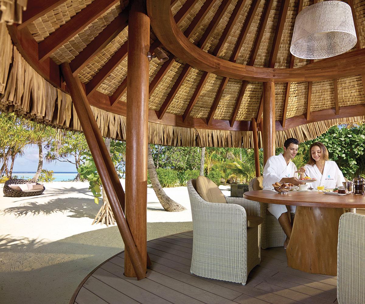 The brando on the atoll of tetiaroa e tahiti travel for Chambre 13 tahiti plage mp3