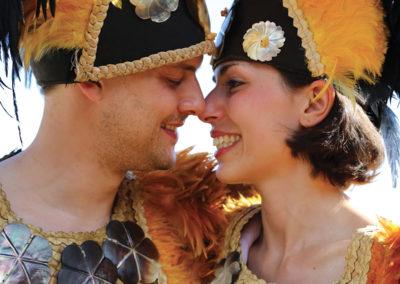 diapo-couple-tiki-village-moorea-ceremonie-mariage-e-tahiti-travel