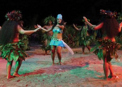 diapo-danse-soiree-polynesienne-tiki-village-moorea-e-tahiti-travel