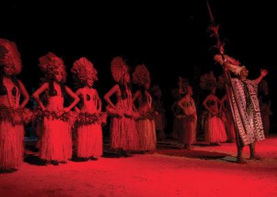 diapo-spectacle-soiree-polynesienne-tiki-village-moorea-e-tahiti-travel
