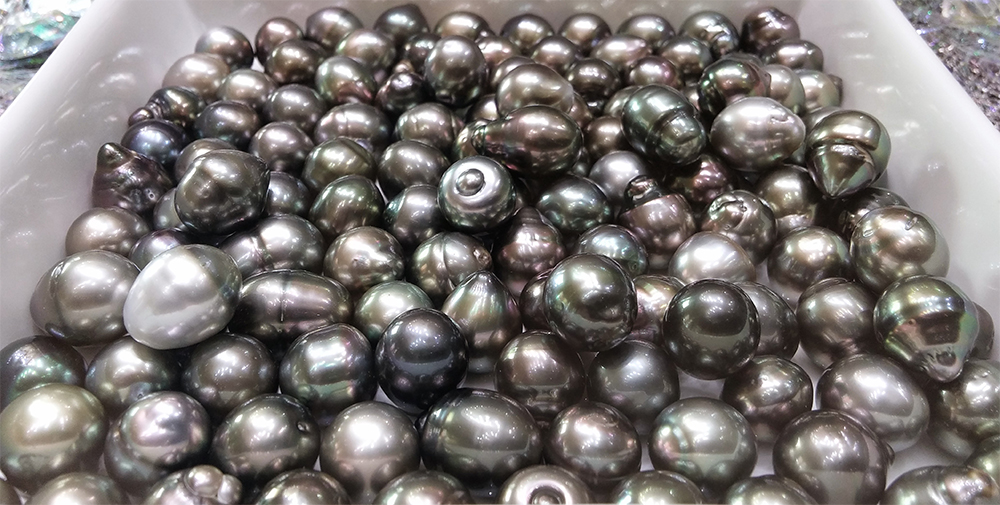 Unique Tahiti Black Pearls