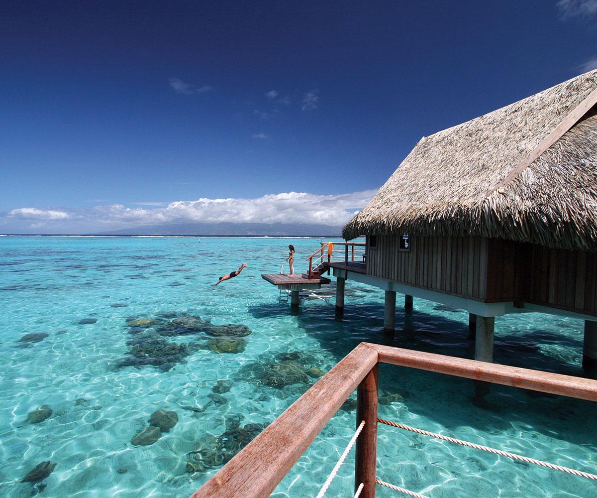 Tahiti-et-ses-Iles-les-incontournables-sofitel-moorea-overwater-e-tahiti-travel